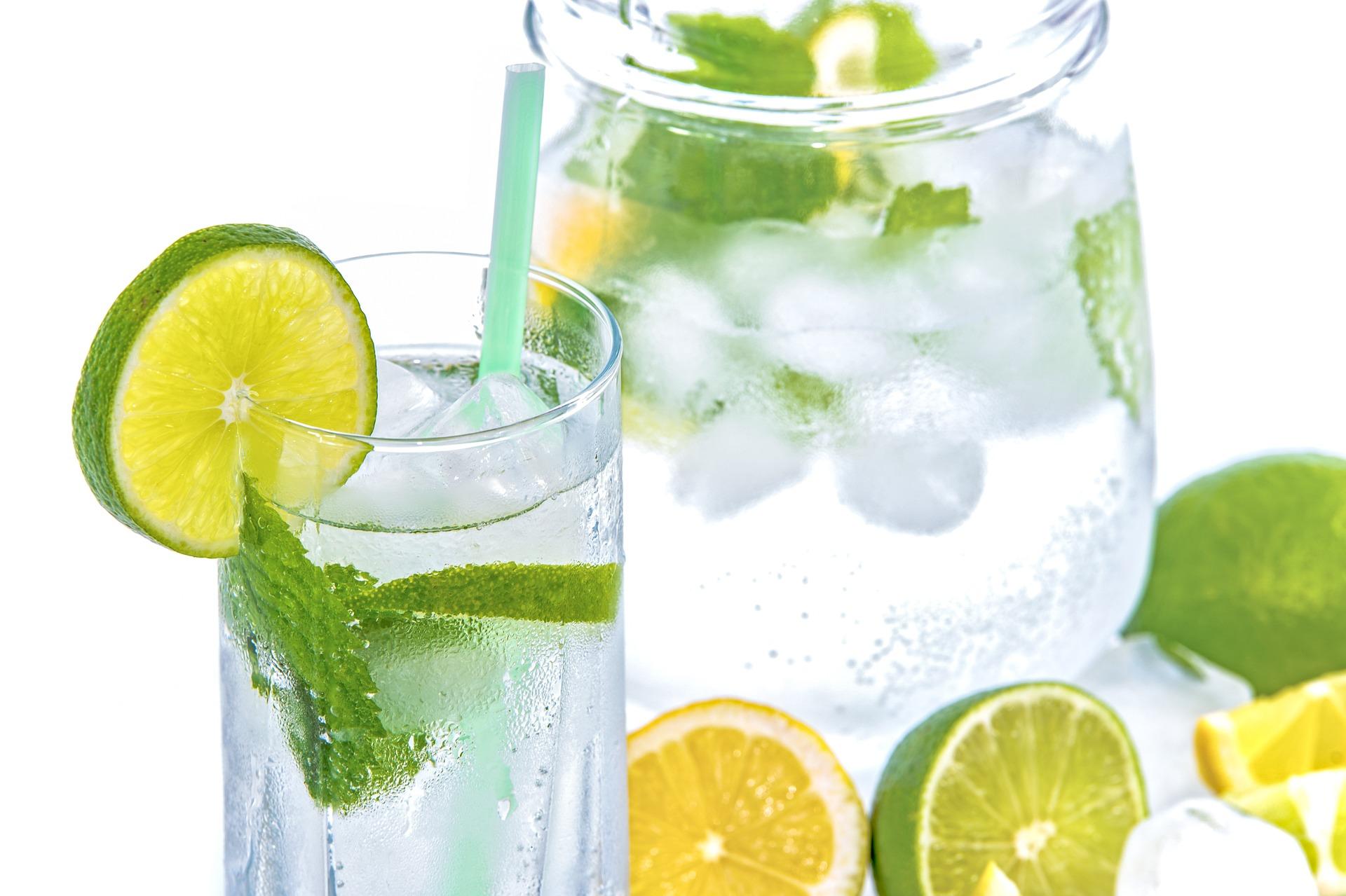 Woda mineralna a nawodnienie